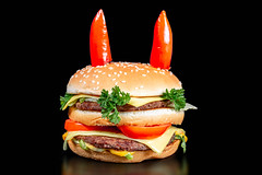 Burger with hot pepper horns