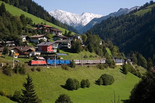 DB 182 013 + goederentrein/Güterzug/freight train - St Jodok