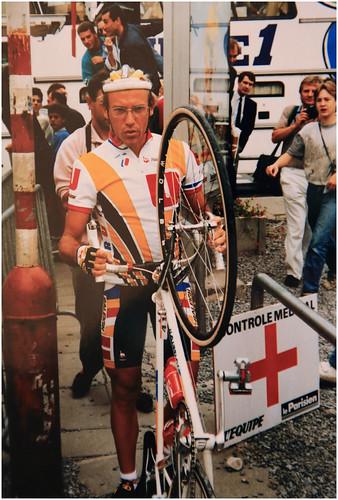 Laurent Fignon au départ de la 4ème étape du Tour de France 1989, Liège Wasquehal, Tour qu'il va perdre pour 8 secondes à l'avantage de Greg Lemond