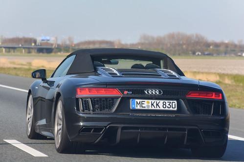 Audi R8 V10 Plus Spyder (2017)