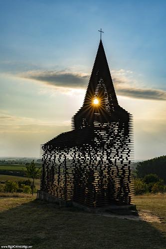 Reading between the lines - Het doorkijkkerkje van Borgloon (concept by Gijs Van Vaerenbergh )