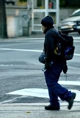 A very peculiar tourist walking through Cascais