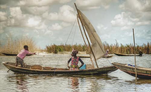 Lac Nokoué (Bénin)_Scène de vie / Lake Nokoue (Benin) _ Daily Life Scene