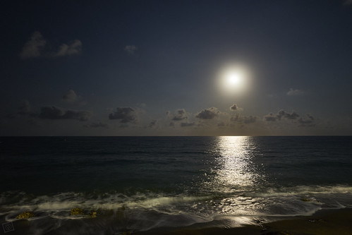 Full moon at sea - Explore August 28, 2020