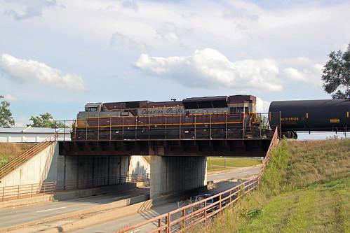 470 takes headroom in the yard, pulling across the U.S. Highway 51 bridge