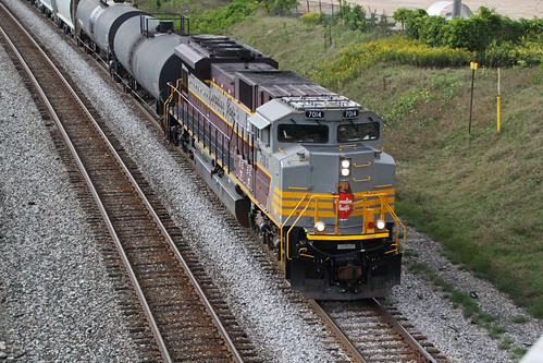 CP 7014 about to duck under WIS-16 and bring 470 into the yard
