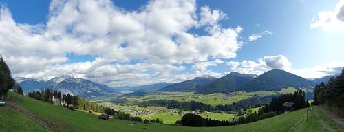 Innsbruck -Many Mountains