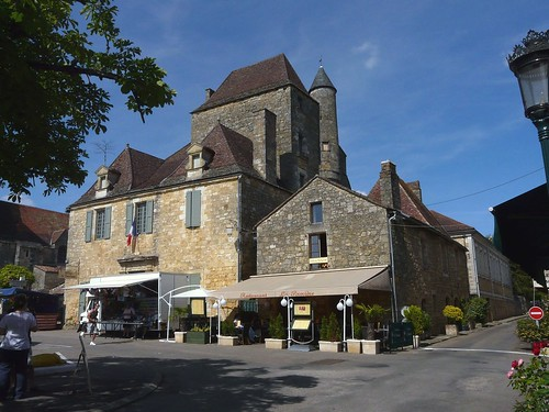 A04 Domme main square