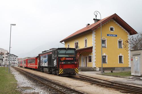 Zillertalbahn_Wendezug_D15_Zell_2_20130319