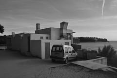 Zgrada na plaži (137FJAKA_4387)