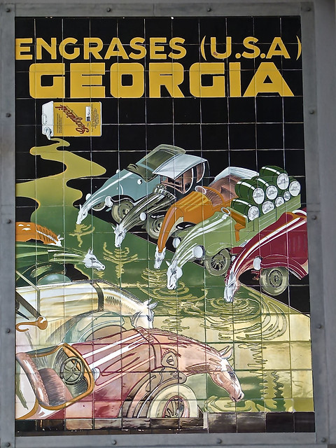 Photo:Anuncio antiguo cerámico en gasolinera de Sagunto - Engrases Georgia - USA By Antonio Marín Segovia