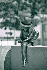 Le petit garçon au chapeau...
