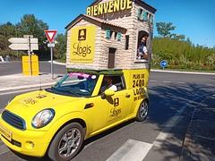 Passage de la caravane du Tour de France 2020 à Alès / Rond-point de la Luquette