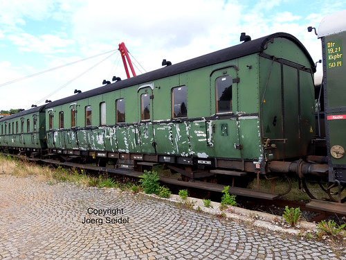 DE-98693 Ilmenau  Bahnhof Rennsteigbahn DB Museum Abteilwagen 27 115  im Juli 2020