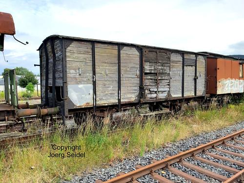 DE-98693 Ilmenau  Bahnhof Rennsteigbahn Güterwagen  im Juli 2020