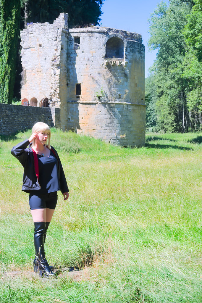 related image - Shooting Saber Alter Shinjuku - Fate Grand Order - Xeluria - Chateau de Beaufort - Luxembourg -2020-07-30- P2200786