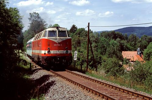 DB 228 748 Suhl-Neundorf 25.05.1997