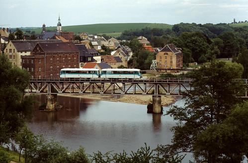 DB 772 152/ 972 752 Rochlitz, Muldebrücke 29.05.1997