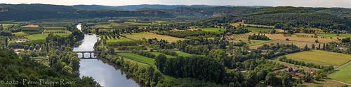 Vue panoramique de Domme en Dordogne
