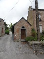 Sains-du-Nord Chapelle de 1780 dédiée à St Guilain, la Ste Vierge et St Jean. Rue du Dr Chevalier.