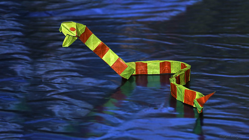 Origami Snake (Gen Hawigara)