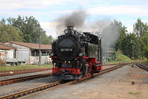 SDG Lößnitzgrundbahn: Dampflok 99 1761-8 in Radeburg