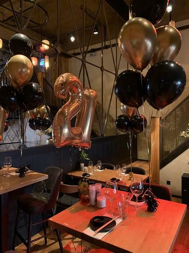Tafeldecoratie 6ballonnen Cafe in the City Rotterdam
