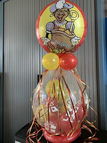 Kadoballon Sinterklaas Zwarte Piet met Ballon bovenop