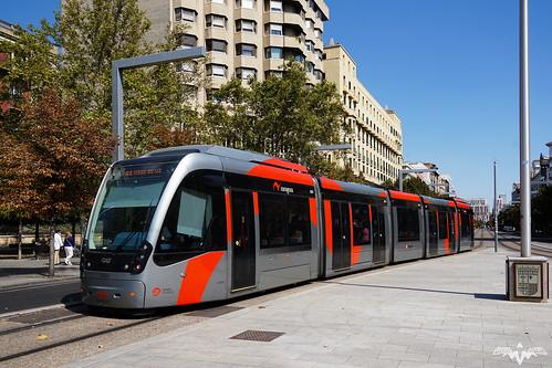 Tranvía de Zaragoza en Plaza de Aragón