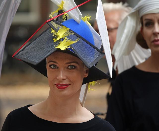 Photo:Een hoed in De Stijl By Gerard Stolk (vers l'automne)