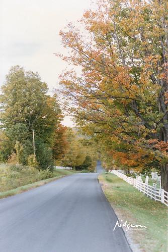 Looking north along N Ridge Road, Brookfield, Vermont