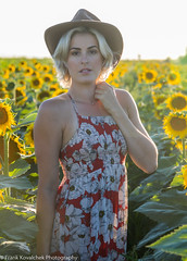 Photo Shoot - Carly in the Sunflower Fields