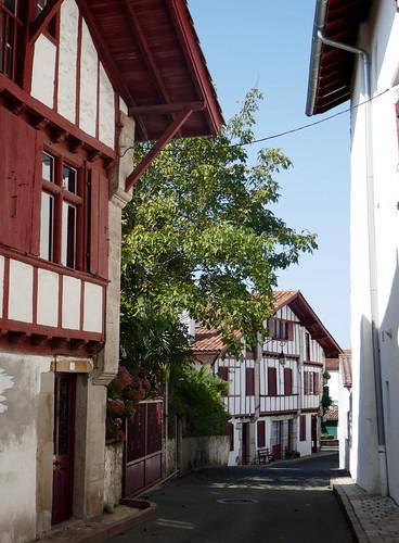 Maisons labourdines, Ascain, Pays basque, Pyrénées-Atlantiques, Nouvelle-Aquitaine, France.
