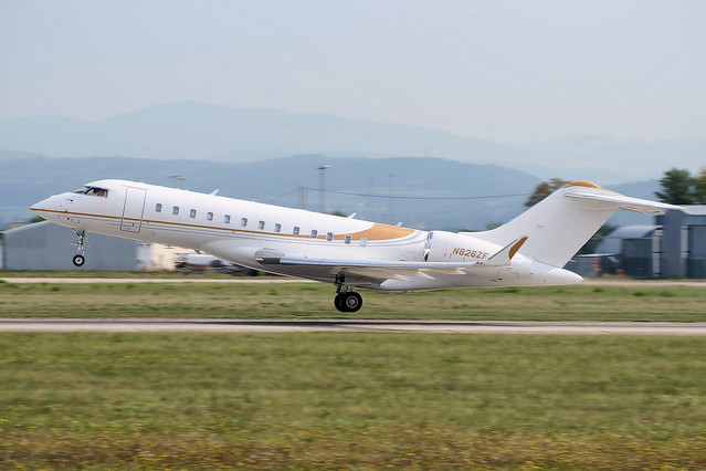 Photo:N826ZF(cn 9796)Bombardier BD700 Global 6000 Phenix Jet By LFSB Planes Pictures