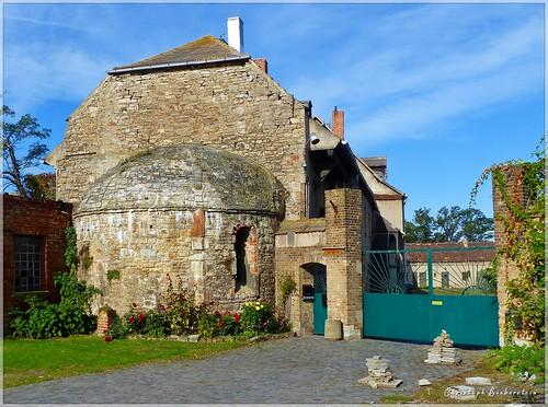 Apsis der romanischen Schlosskirche Seeburg