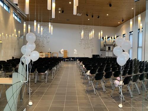 Tafeldecoratie 5ballonnen Gronddecoratie Kerk Carnisse Haven Barendrecht