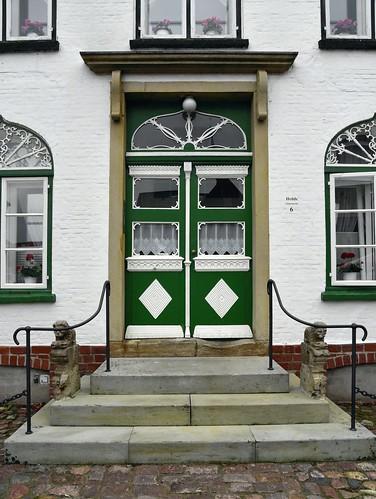 Türen am Marktplatz in Meldorf, Dithmarschen (92)