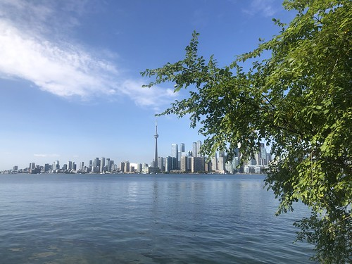 Toronto-on-the-Lake from Algonquin Island