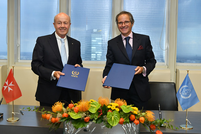 Photo:PA Signing Sovereign Order of Malta & IAEA (011110015) By IAEA Imagebank