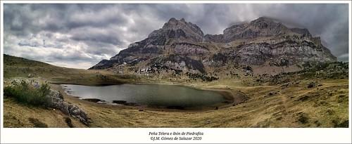 Panorámica de la Peña Telera y del ibón de Piedrafita. Piedrafita de Jaca. Pirineo de Huesca. España (Explore 25/09/2020)