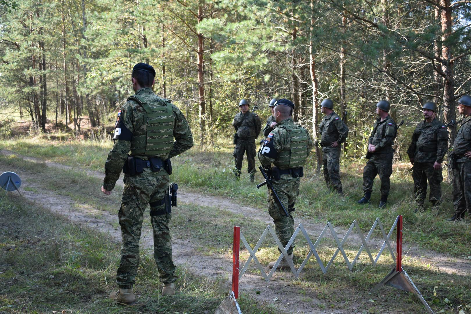 Tim Vojne policije 6. HRVCON-a uvježbava poljske pričuvnike