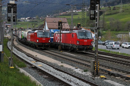 1293028-7 OBB & 1293014-7 OBB at Matrei am Brenner Austria 140519