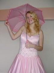Pink parasol play