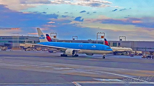 Planes on JFK International Airport Queens New York City NY P00668 20191002_174049