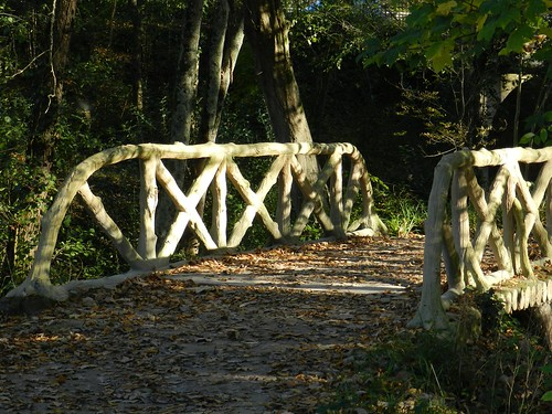 Pont aux faux rondins de bois