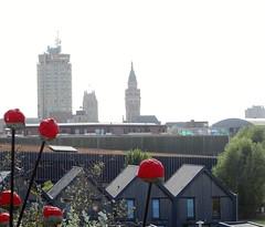 Dunkerque la Tour du Reuze et le beffroi