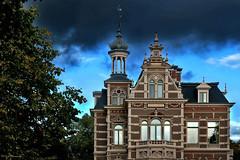 Groningen: Haren, rainstorm over the Wolf house