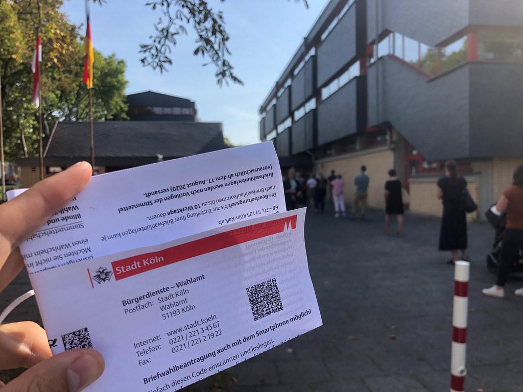Zettel von der Stadt Köln mit Auskunft für Bürger bezüglich der Kommunalwahl im September 2020