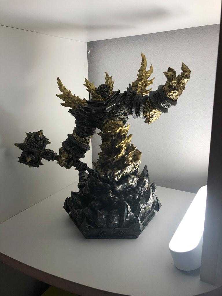 Statue von Ragnaros - World of Warcraft Sammler Edition zum 15. Jahrestag