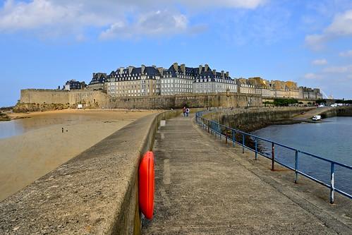 Saint-Malo - Bretagne / On the dike